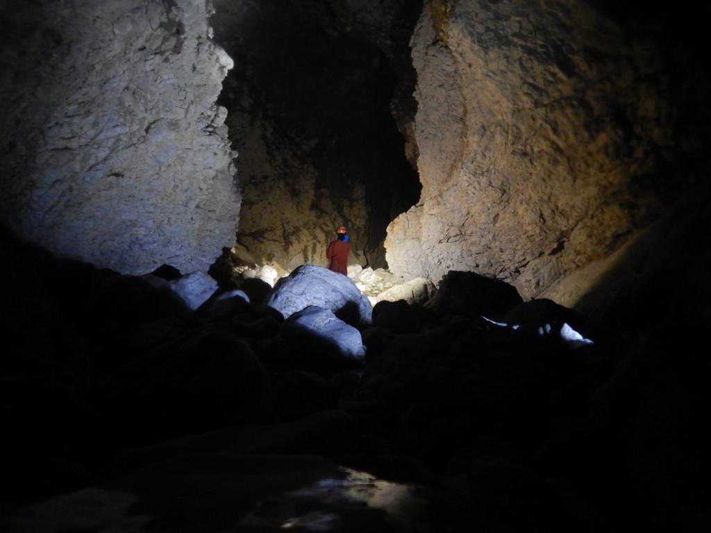 Novokrajska jama